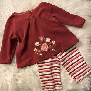 Carter's Baby Girl size 6M 2 piece outfit